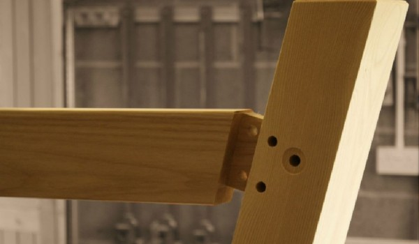 Draw bore mortice and tenon joint