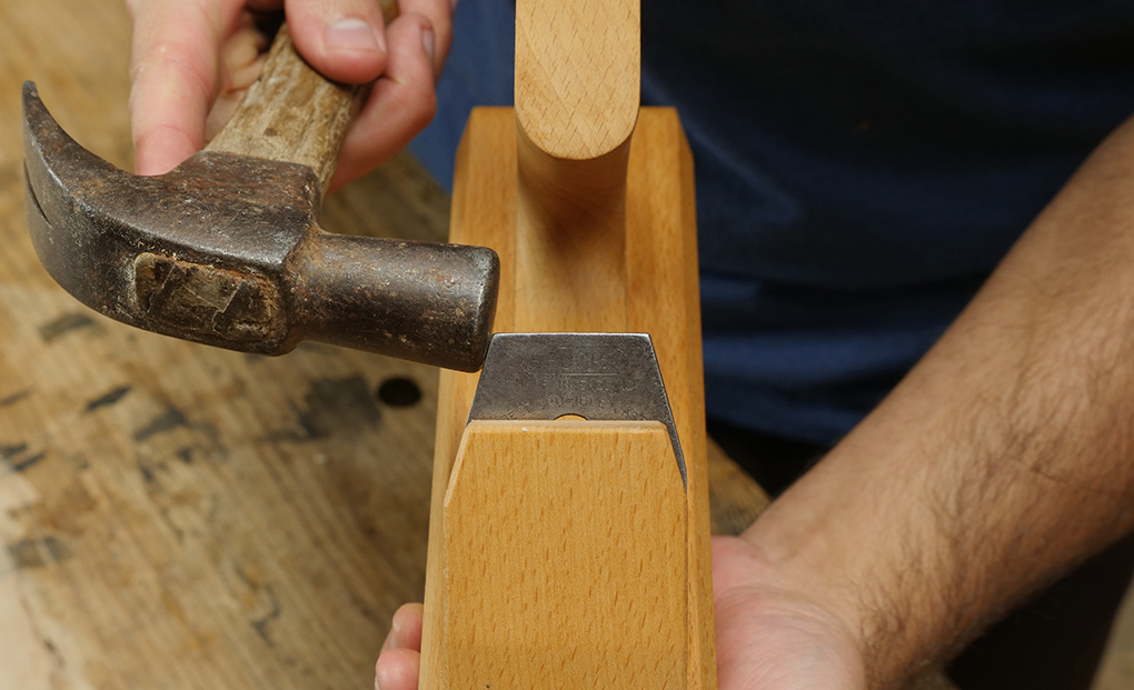 lateral adjustment on the wooden plane