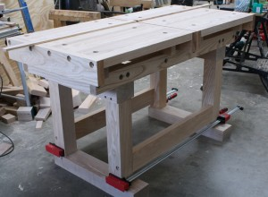 Cross Cut Table – A Fitting Support!
