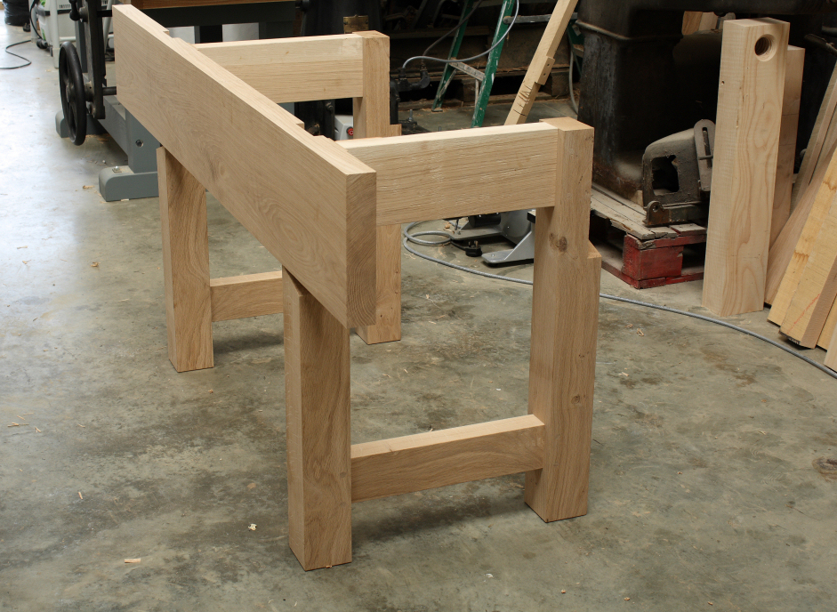 Aprons on the Nicholson workbench design