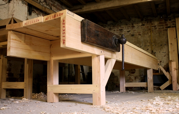 English bench dry fit