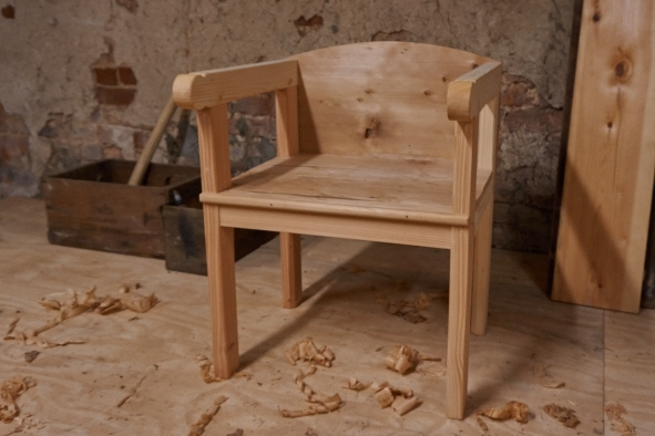 The Settle Chair - The Commode - The English Woodworker