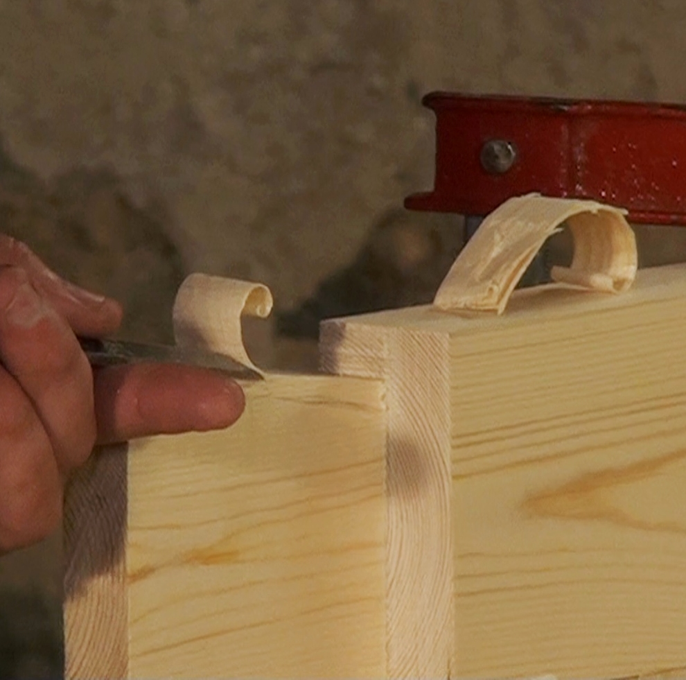 Chisel control, splitting and paring