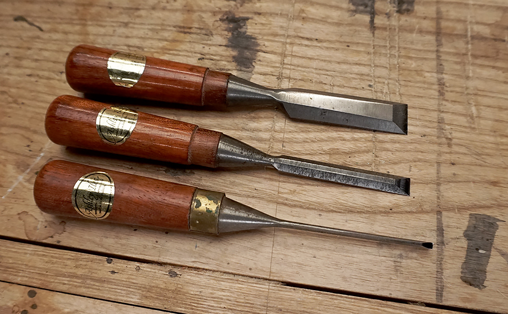 The Ashley Iles butt chisels make great dovetail chisels