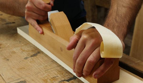asjust a wooden hand plane