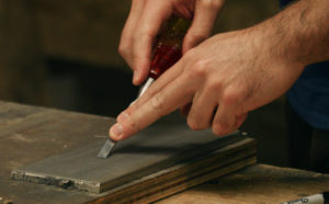 Sharpening Narrow Chisels (the Problem & Solution)
