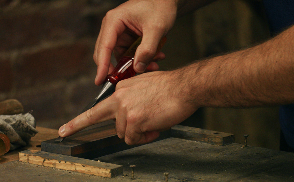 sharpening a narrow chisel - the secondary bevel