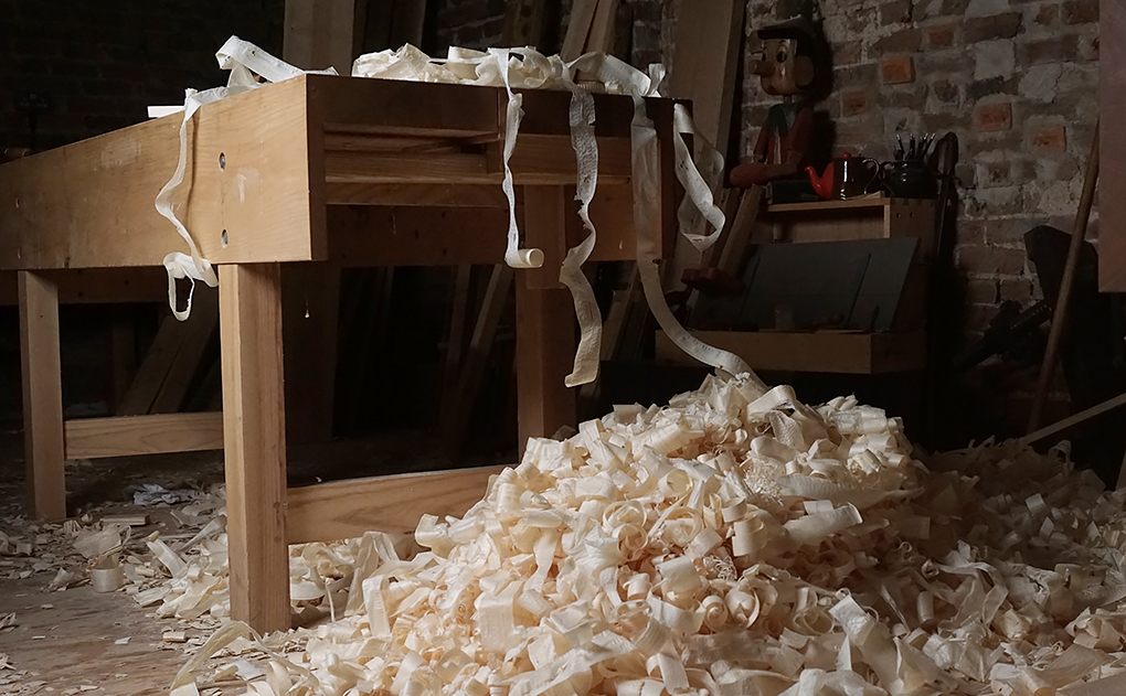 building furniture by hand