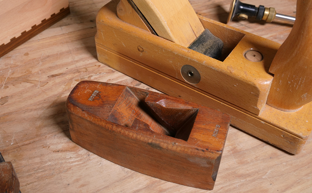 Traditional and Cross Pin wooden planes